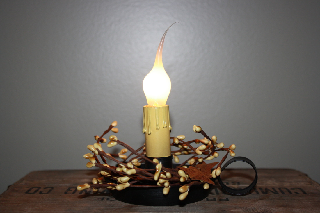 Electric Candle Lamp With Pip Berries And Dipped Bulb