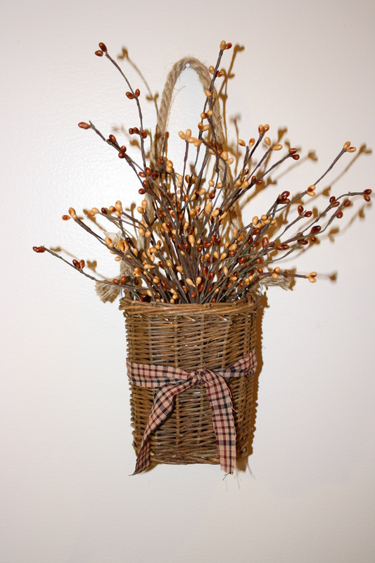 Willow Hanging Basket With Pip Berries