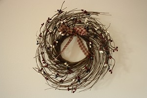 "10"" Wispy Accent Wreath with Pip Berries and Homespun - Burgundy, Blue and White"
